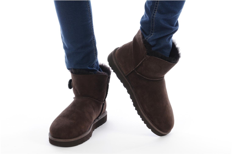 Stiefeletten & Boots UGG Mini bailey button grau ansicht von unten / tasche getragen