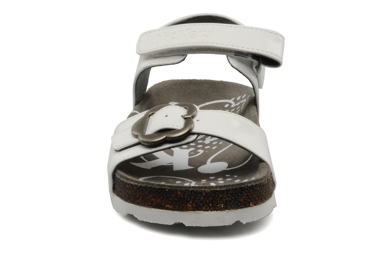 Sandales et nu-pieds Kickers MAZARINE Blanc vue portées chaussures