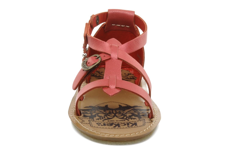 Sandales et nu-pieds Kickers LIOUKA Rouge vue portées chaussures