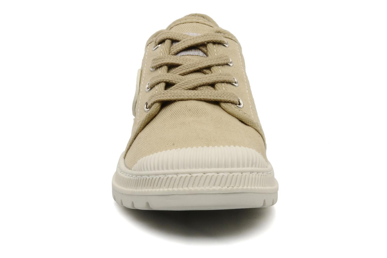 Baskets Pataugas Raid E Beige vue portées chaussures