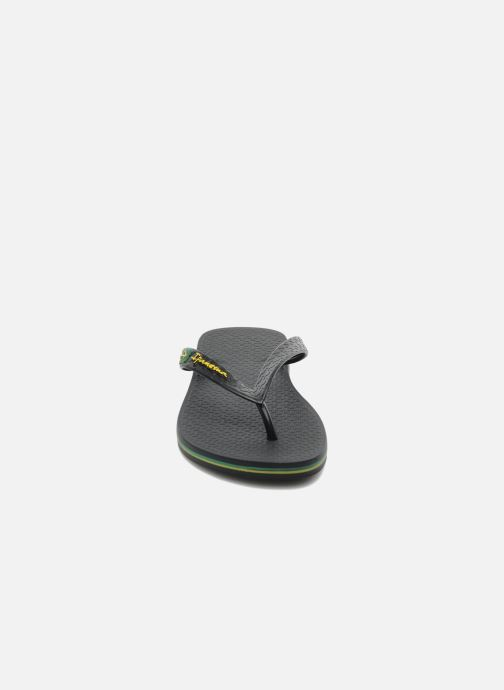 Flip flops Ipanema Classica Brasil II f Black model view