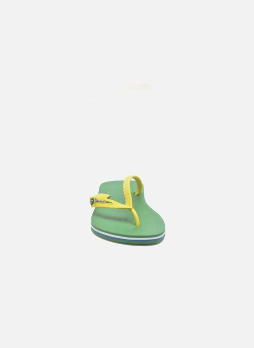 Tongs Ipanema Classic Brasil II M Vert vue portées chaussures