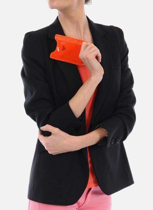 Portemonnaies & Clutches Mellow Yellow LISTELOR orange ansicht von unten / tasche getragen