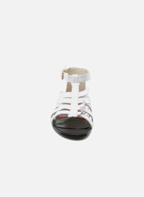 Sandales et nu-pieds Mellow Yellow Leskelet Blanc vue portées chaussures