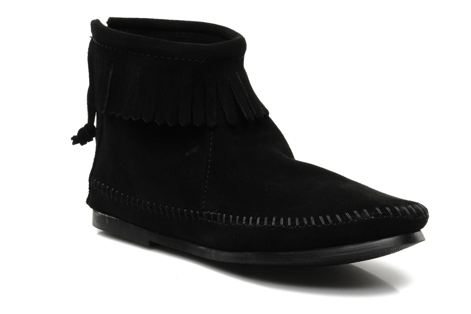 Ankle boots Minnetonka BACK ZIPPER BT Black detailed view/ Pair view
