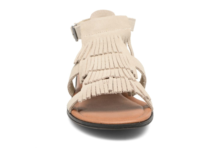 Sandalen Minnetonka Maui beige schuhe getragen