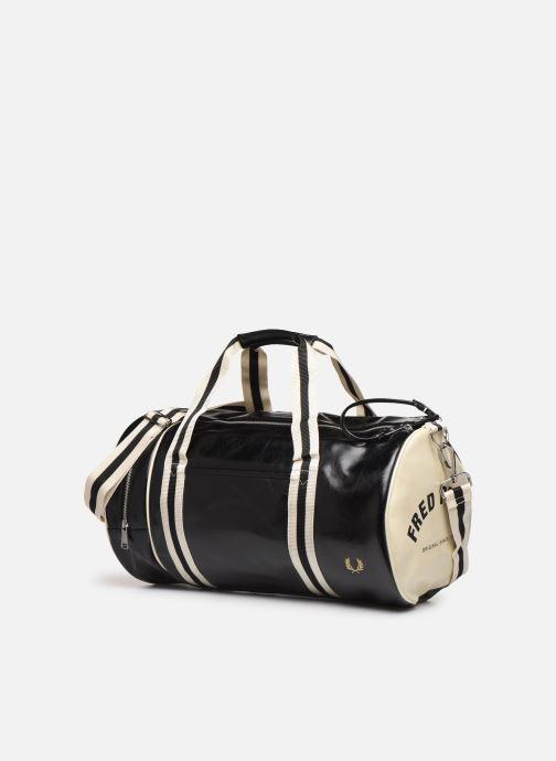 Sacs de sport Fred Perry Classic Barrel Bag Noir vue portées chaussures