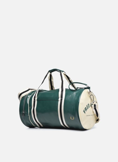 Bagages Fred Perry Classic Barrel Bag Vert vue portées chaussures