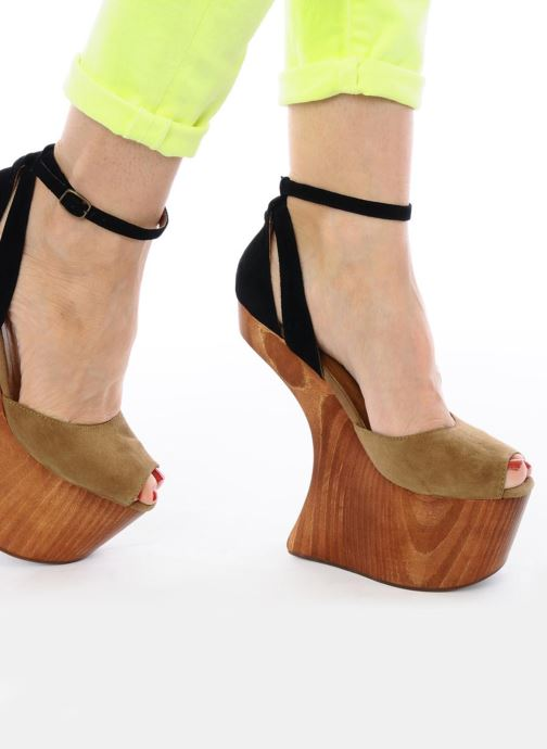 Sandals Jeffrey Campbell STRUP Green view from underneath / model view