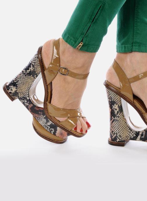 Sandales et nu-pieds Jeffrey Campbell HARE 2 Beige vue bas / vue portée sac