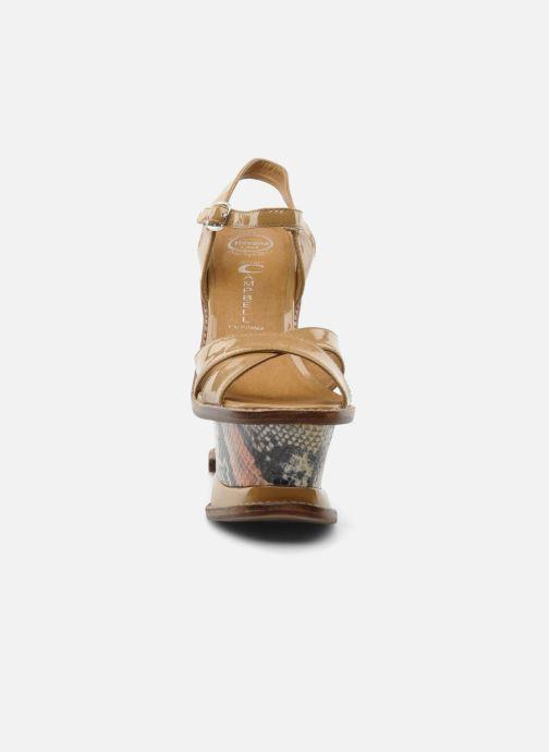 Sandales et nu-pieds Jeffrey Campbell HARE 2 Beige vue portées chaussures