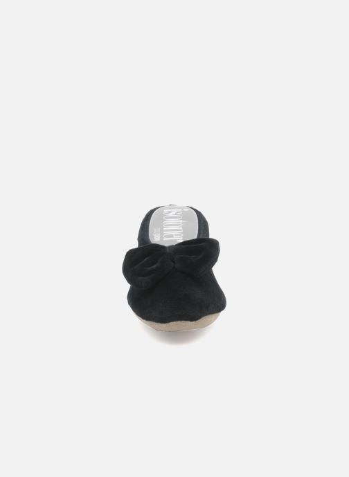 Chaussons Isotoner Ballerine velours grand nœud Noir vue portées chaussures