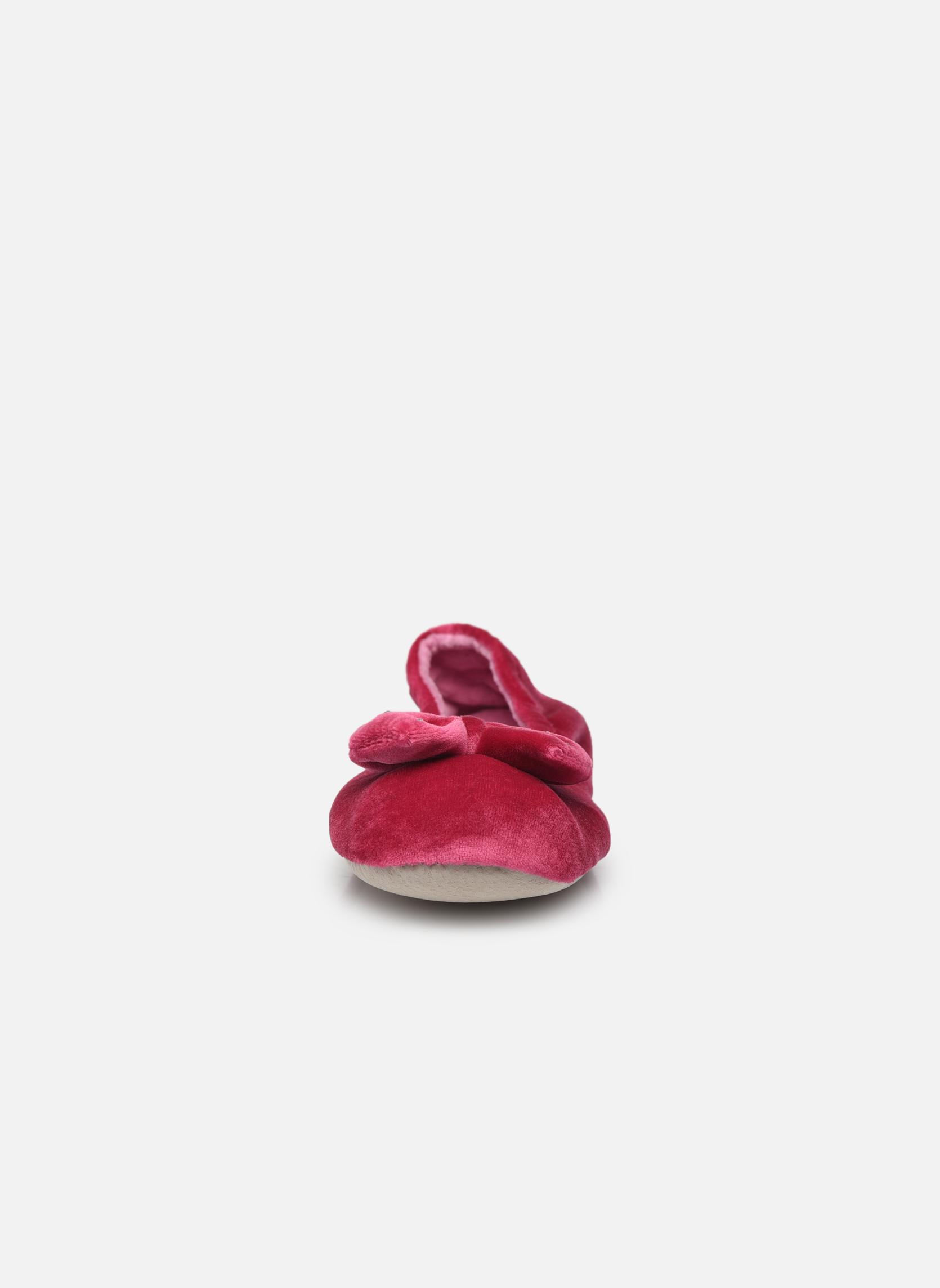 Chaussons Isotoner Ballerine velours grand nœud F Violet vue portées chaussures