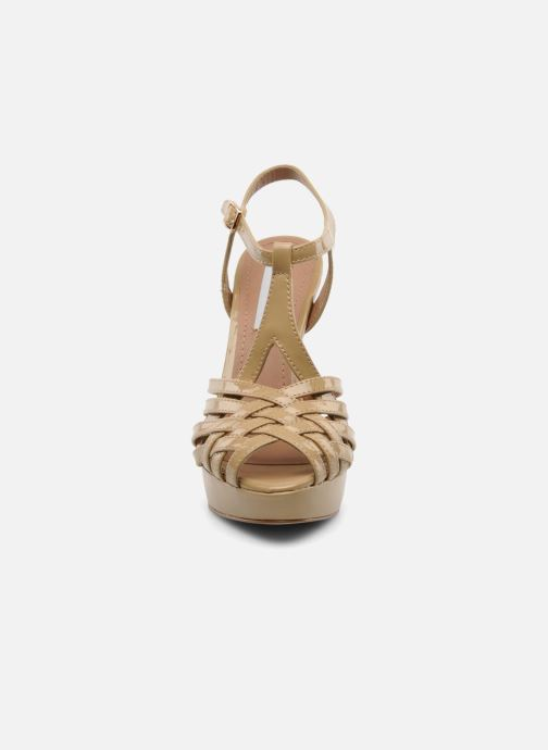 Sandals Steve Madden HALLELU Beige model view