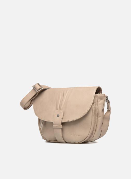 Handtaschen Sabrina Louison beige schuhe getragen