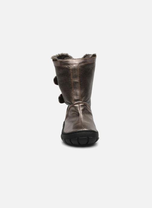 Botas Pom d Api Piwi chabraque bis Oro y bronce vista del modelo