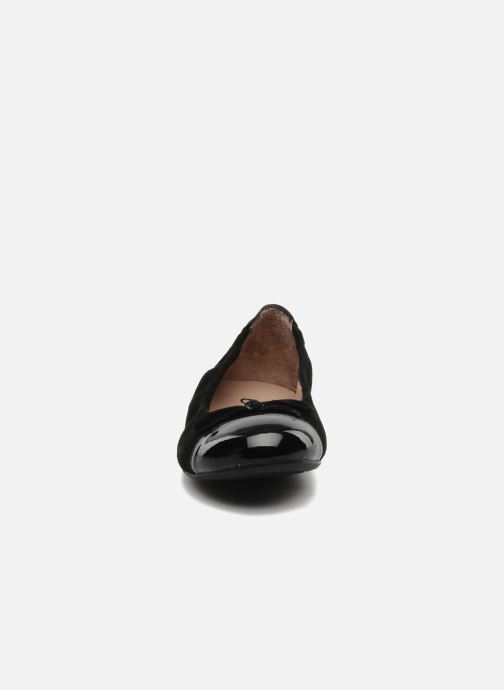 Ballerines Unisa Cino Noir vue portées chaussures