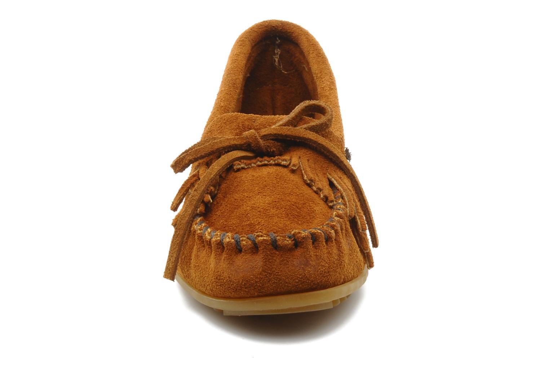 Loafers Minnetonka KILTY SUEDE MOC Brun se skoene på