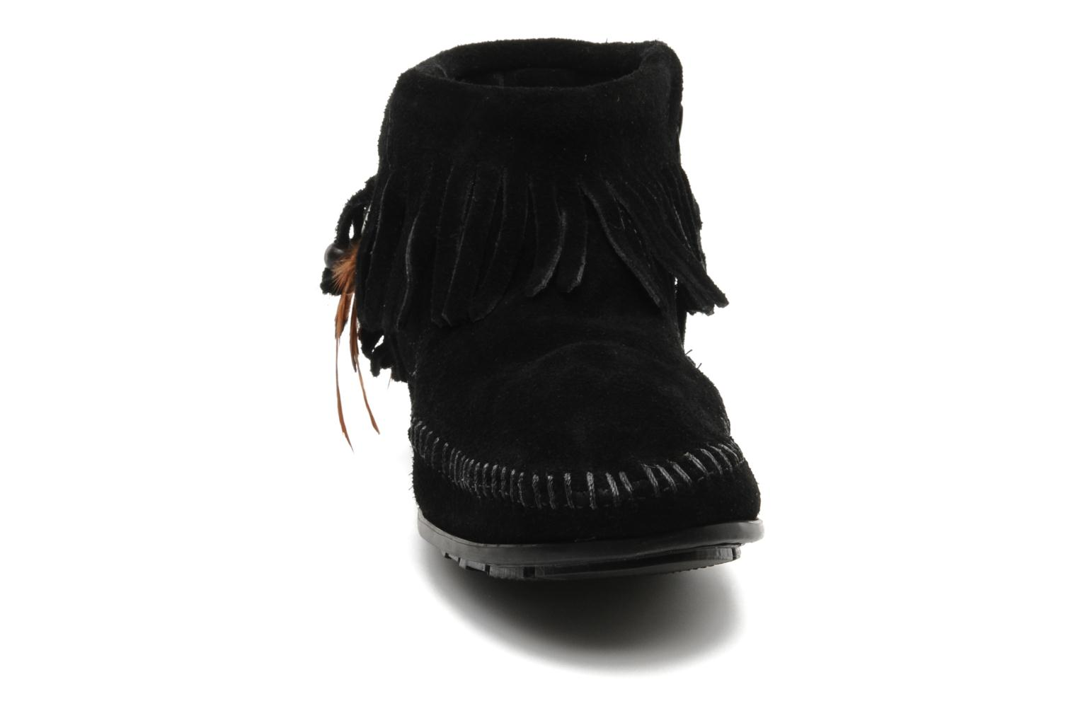 Ankle boots Minnetonka CONCHOFEATHER BT Black model view