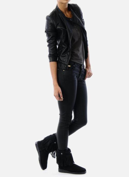 Stiefeletten & Boots Minnetonka FRINGE CLASSIC PUG BT schwarz ansicht von unten / tasche getragen