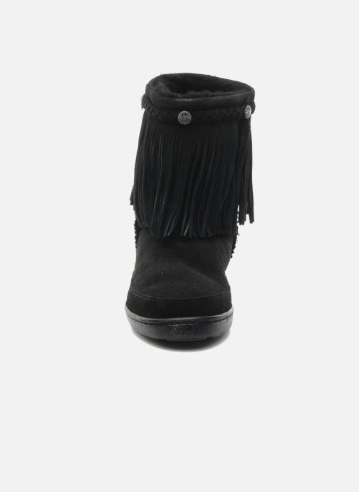 Stiefeletten & Boots Minnetonka FRINGE CLASSIC PUG BT schwarz schuhe getragen