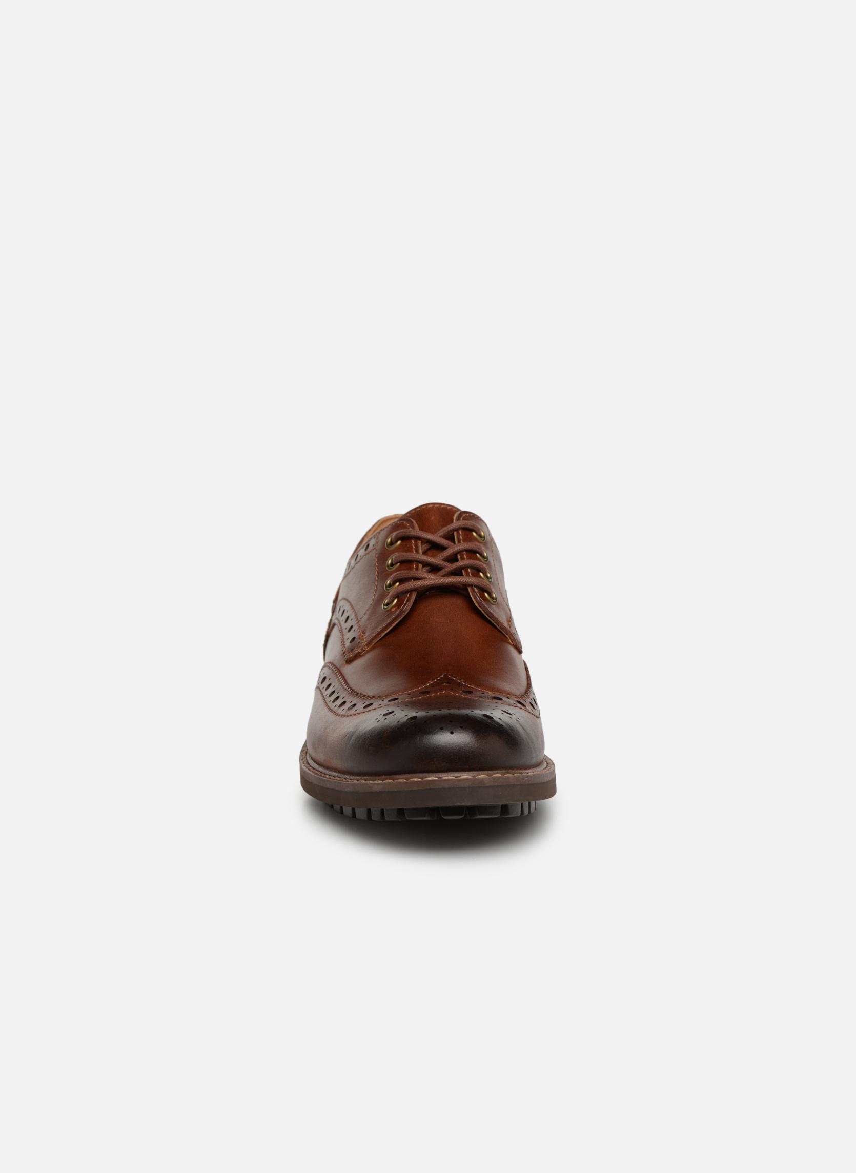 Chaussures à lacets Clarks Montacute Wing Marron vue portées chaussures
