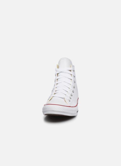 Sneakers Converse Chuck Taylor All Star Leather Hi M Bianco modello indossato