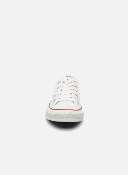 Baskets Converse Chuck Taylor All Star Leather Ox M Blanc vue portées chaussures
