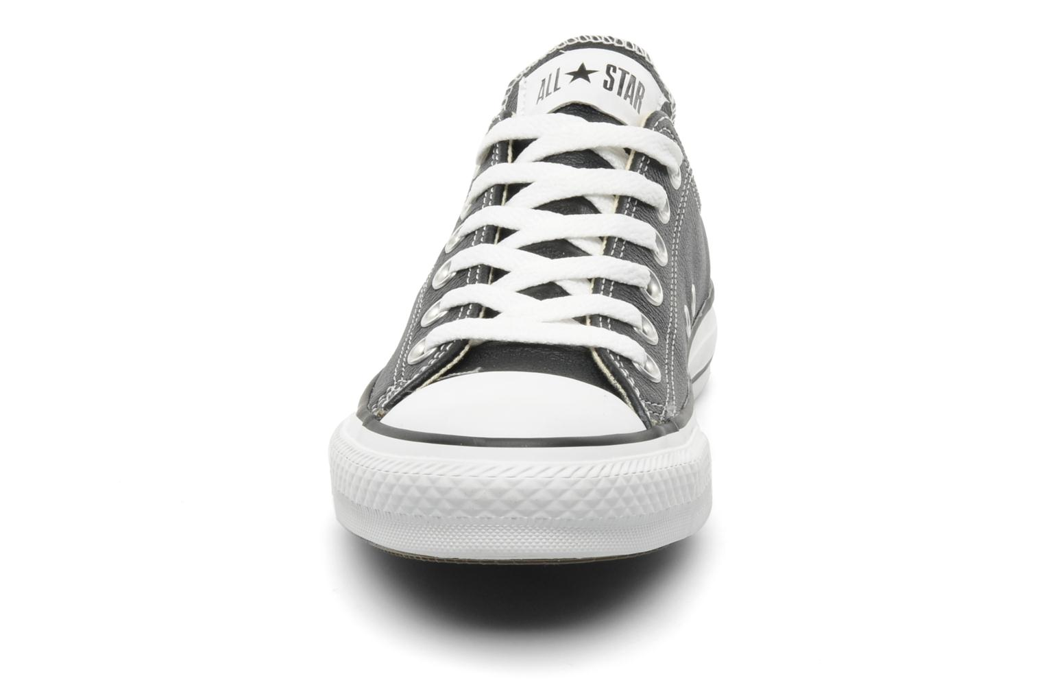 Sneakers Converse Chuck Taylor All Star Leather Ox W Zwart model