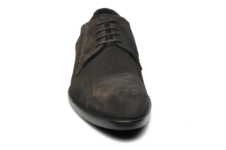 Snøresko Marvin&Co Thepia Grå se skoene på
