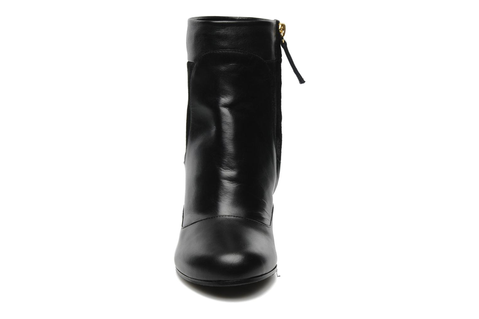 Ankle boots Vicini Pluina Black model view