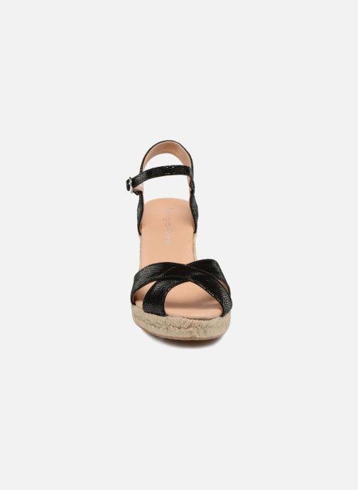Zapatos de tacón Georgia Rose Divina Negro vista del modelo