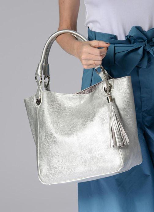 Handtaschen Georgia Rose Barnabé silber ansicht von unten / tasche getragen