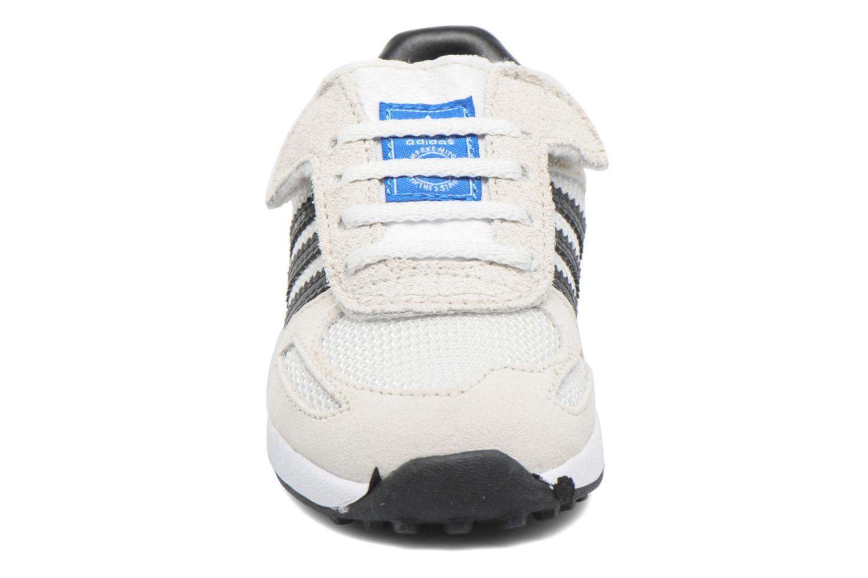 Baskets Adidas Originals LA Trainer Cf I Beige vue portées chaussures