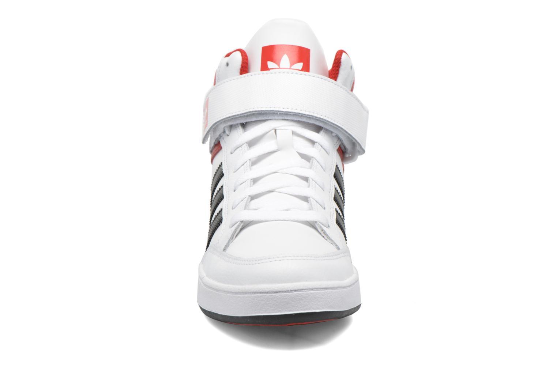 Baskets Adidas Originals Varial Mid Blanc vue portées chaussures