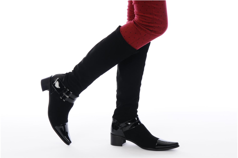 Stiefel JB MARTIN Boheme schwarz ansicht von unten / tasche getragen