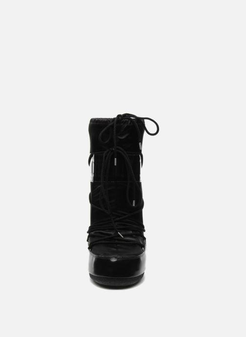 Scarpe sportive Moon Boot Glance Nero modello indossato