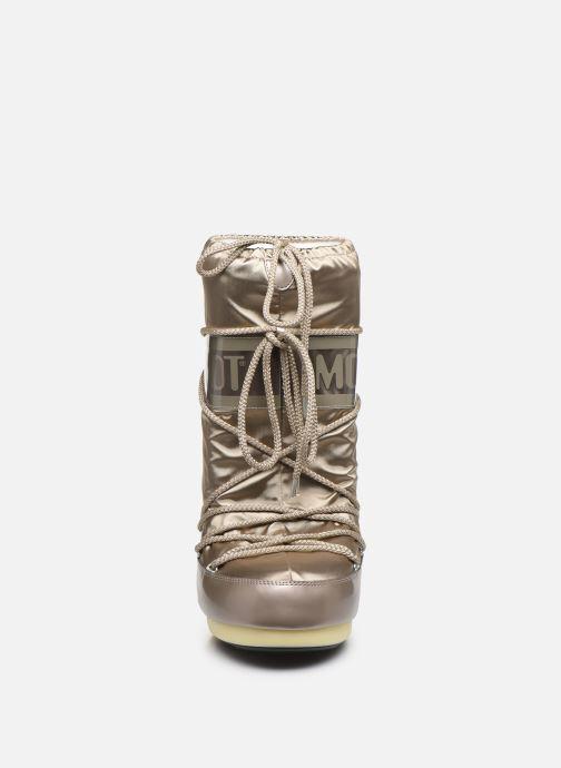 Scarpe sportive Moon Boot Glance Oro e bronzo modello indossato