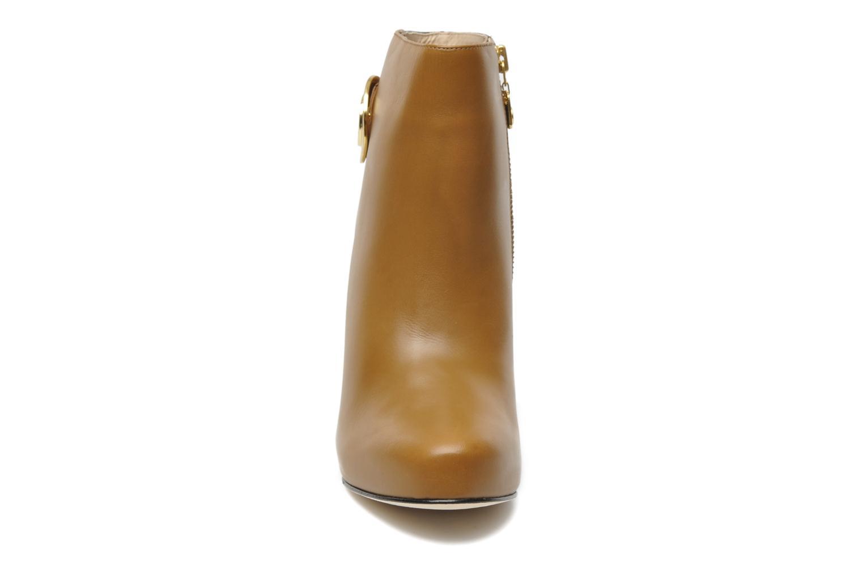 Bottines et boots Kat Maconie HAZEL Marron vue portées chaussures