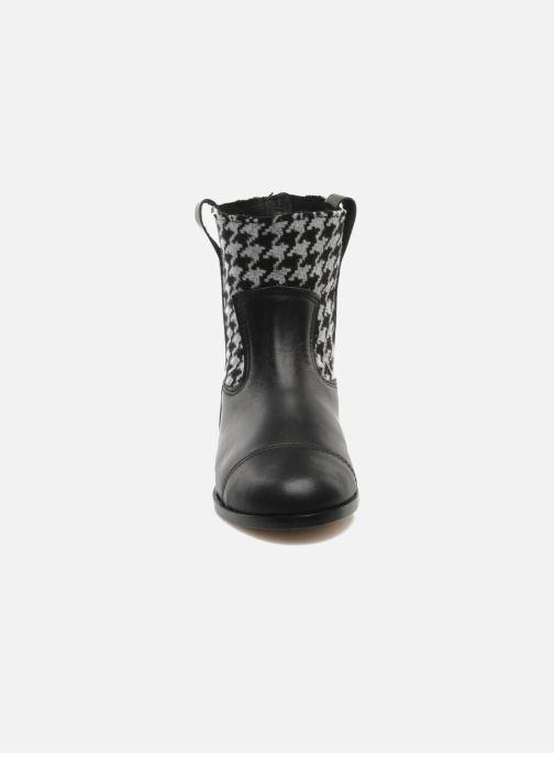 Ankle boots Petite Maloles PETITE SABINE Black model view