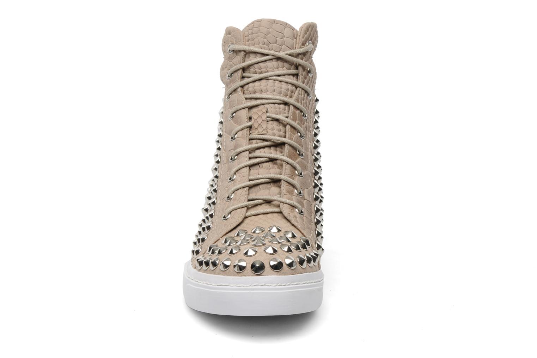 Sneakers Jeffrey Campbell Alva-Hi Beige modello indossato