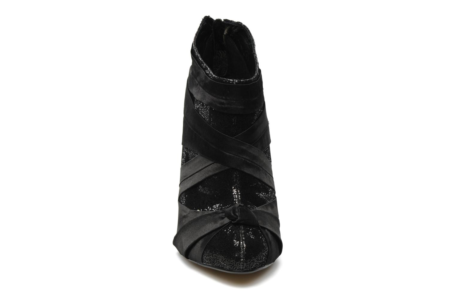 Ankle boots Ravel KANDY Black model view