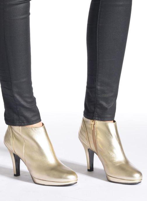 Bottines et boots Anna Volodia Aida Noir vue bas / vue portée sac