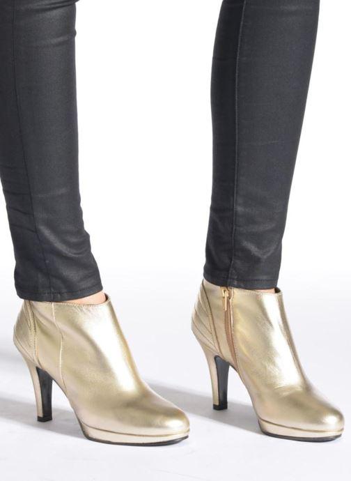 Stiefeletten & Boots Anna Volodia Aida rot ansicht von unten / tasche getragen