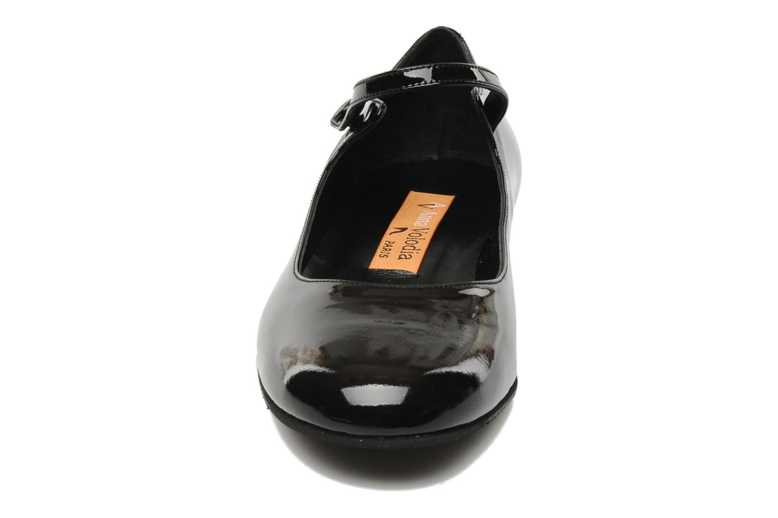 Ballet pumps Anna Volodia Aelan Black model view