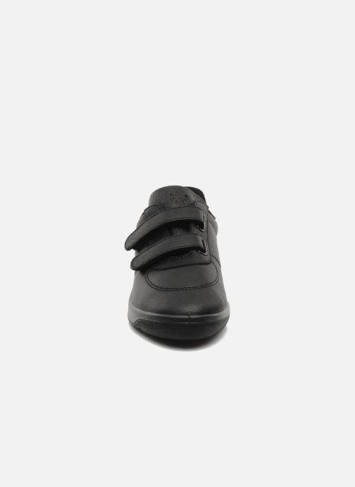 Sneakers TBS Easy Walk Biblio Nero modello indossato