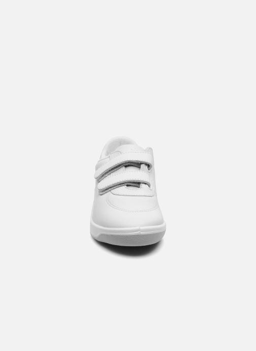 Sneakers TBS Easy Walk Biblio Bianco modello indossato