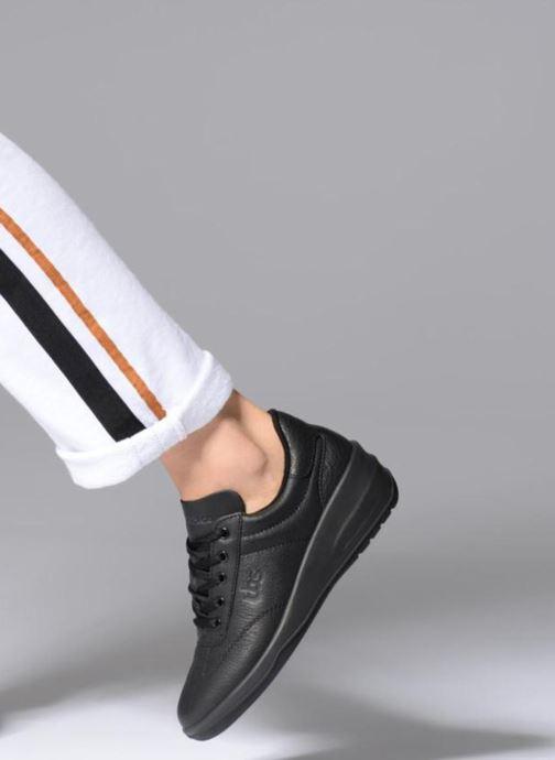 Sneaker TBS Easy Walk Dandys schwarz ansicht von unten / tasche getragen