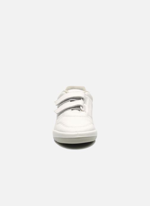 Sneaker TBS Easy Walk Archer weiß schuhe getragen