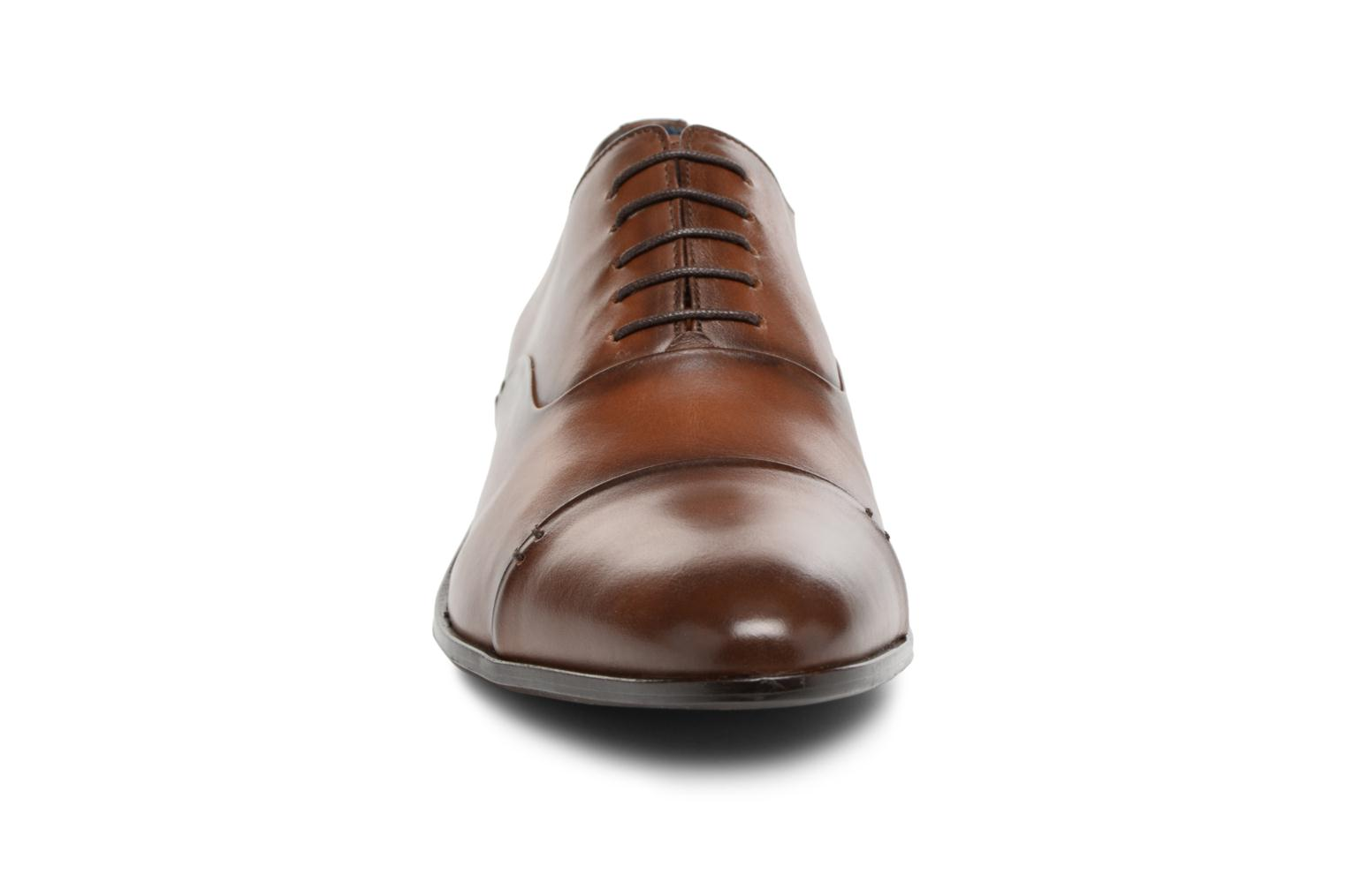 Lace-up shoes Brett & Sons Garry Brown model view